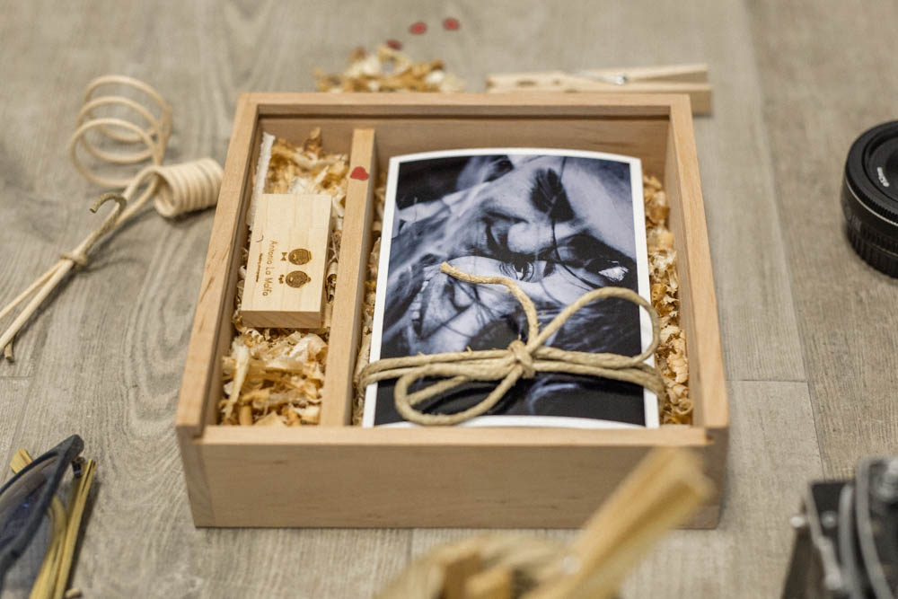 Album Matrimonio In Legno : Confezione wedding pen usb sposi con scatola in legno