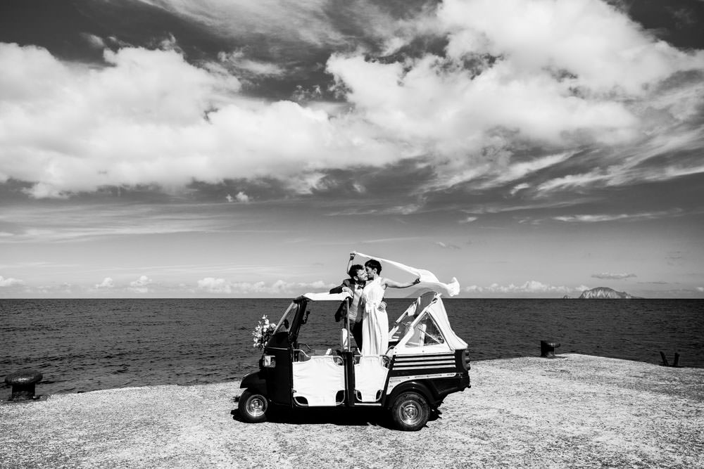 Matrimonio a Salina - Wedding photographer Sicily - Isole Eolie